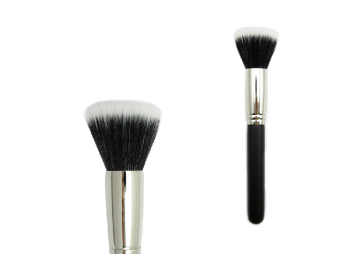 Nylon Hair Powder Essential Makeup Brushes Antibacterial Black Handle With Flat Hair